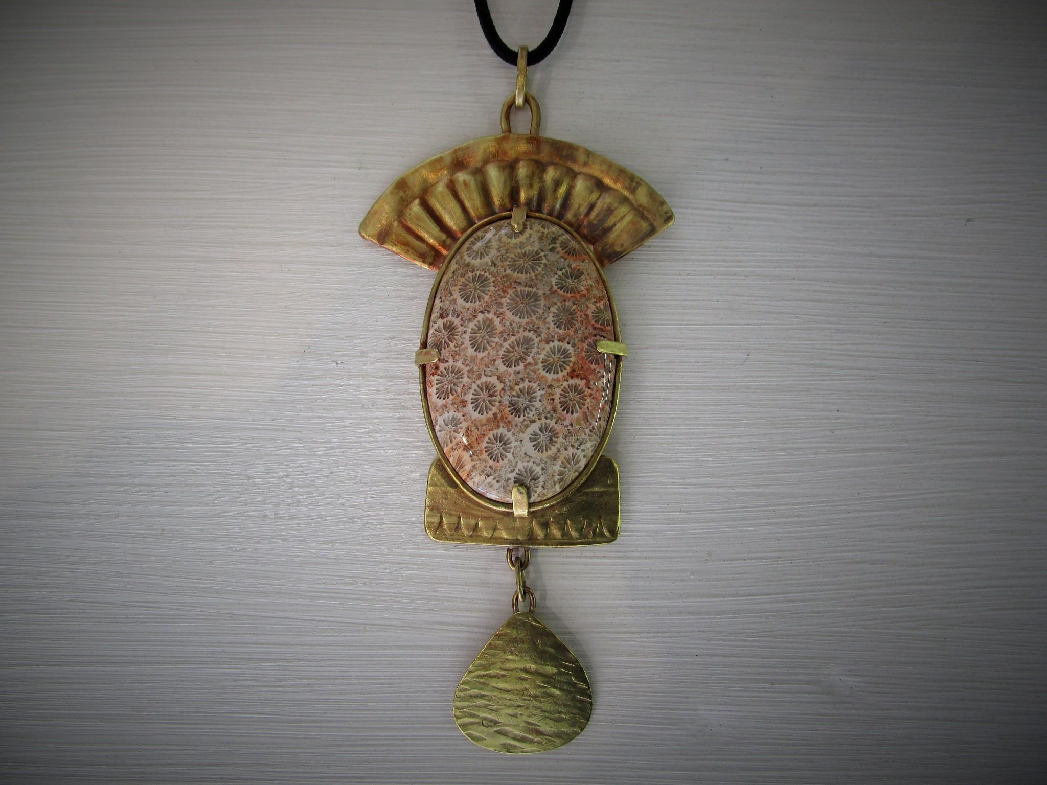 Laiton, Corail Fossilisé